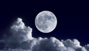 moon-clouds-420x240